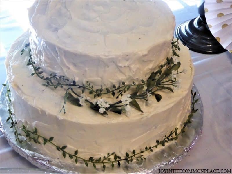 Floral cake Black & Gold Bridal Shower
